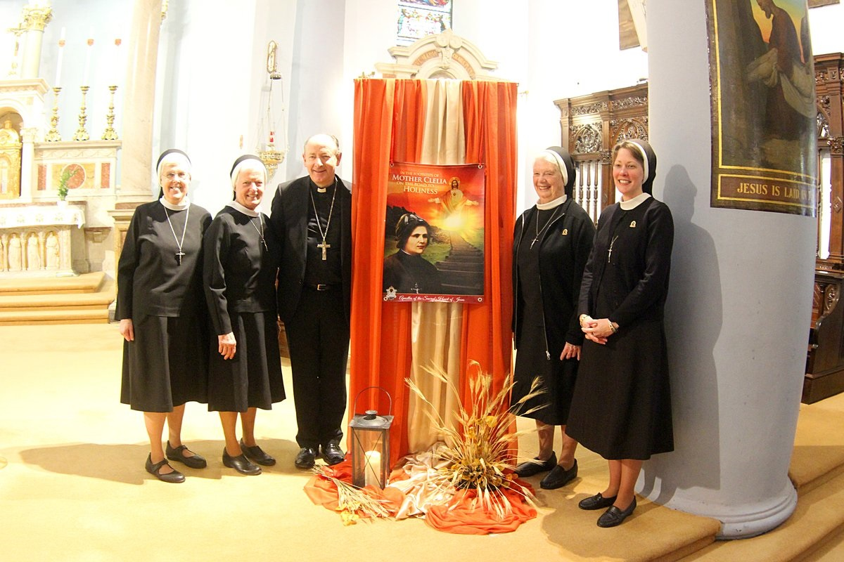 Sisters of the Apostles of Sacred Heart of Jesus with Bishop Cullinan